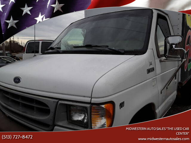 """1998 Ford E-Series Chassis for sale at MIDWESTERN AUTO SALES        """"The Used Car Center"""" in Middletown OH"""