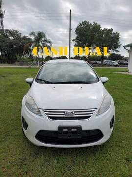 2013 Ford Fiesta for sale at AM Auto Sales in Orlando FL