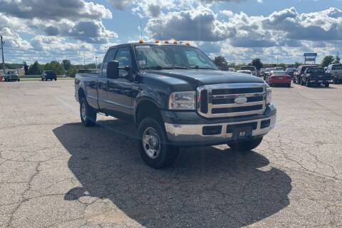 2007 Ford F-250 Super Duty for sale at P & T SALES in Clear Lake IA