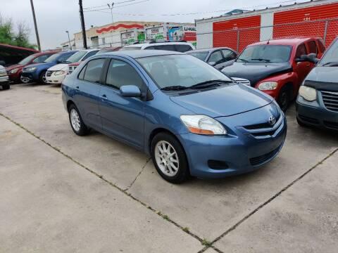 2008 Toyota Yaris for sale at Dubik Motor Company in San Antonio TX