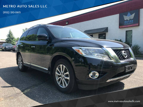 2015 Nissan Pathfinder for sale at METRO AUTO SALES LLC in Blaine MN