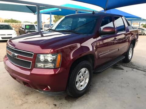2008 Chevrolet Avalanche for sale at Autos Montes in Socorro TX