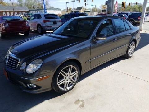 2009 Mercedes-Benz E-Class for sale at Springfield Select Autos in Springfield IL