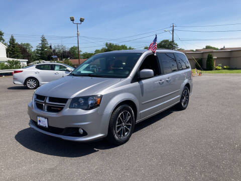 2017 Dodge Grand Caravan for sale at Majestic Automotive Group in Cinnaminson NJ