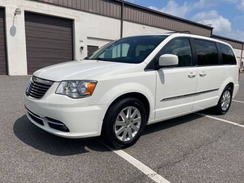 2012 Chrysler Town and Country for sale at Auto Land Inc in Fredericksburg VA