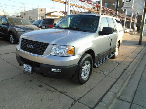 2006 Ford Expedition for sale at CAR CENTER INC in Chicago IL