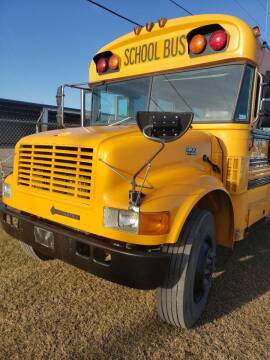 2000 International 3800 for sale at Interstate Bus Sales Inc. in Wallisville TX