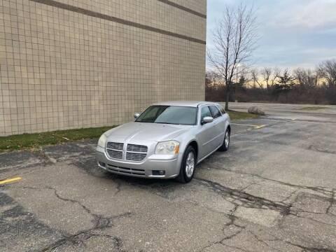 2007 Dodge Magnum for sale at Caruzin Motors in Flint MI