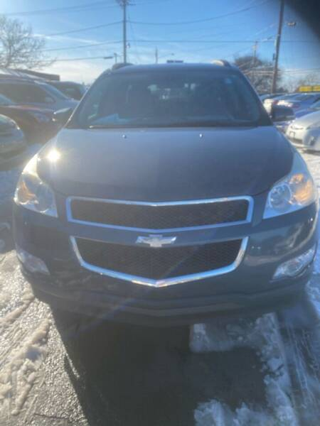 2011 Chevrolet Traverse for sale at Right Choice Automotive in Rochester NY