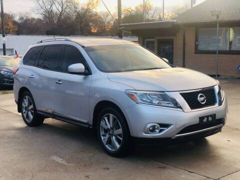 2013 Nissan Pathfinder for sale at Safeen Motors in Garland TX
