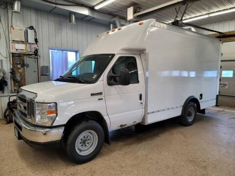 2013 Ford E-Series Chassis for sale at Sand's Auto Sales in Cambridge MN