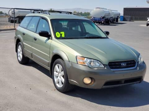2007 Subaru Outback for sale at FRESH TREAD AUTO LLC in Springville UT
