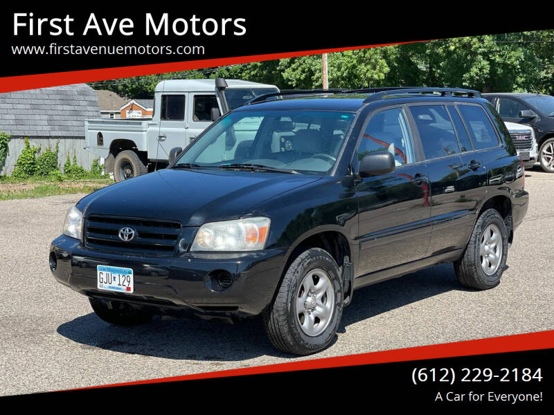 2004 Toyota Highlander for sale at First Ave Motors in Shakopee MN