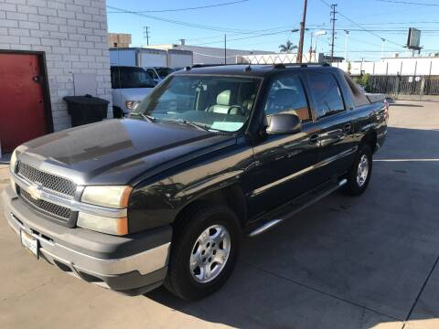 2005 Chevrolet Avalanche for sale at OCEAN IMPORTS in Midway City CA