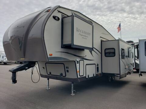 2014 Forest River Rockwood 8281WS for sale at Ultimate RV in White Settlement TX