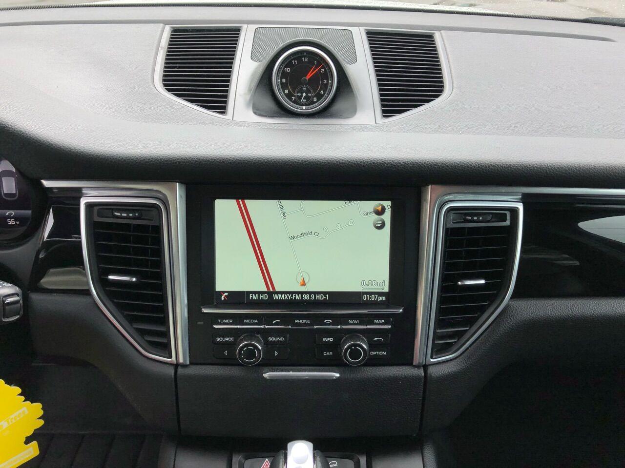 2016 Porsche Macan Sport Utility