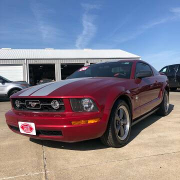 2006 Ford Mustang for sale at UNITED AUTO INC in South Sioux City NE