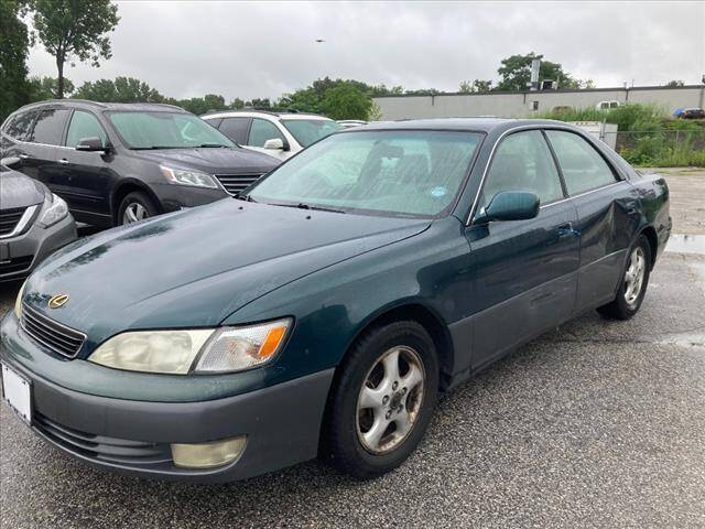 1997 Lexus ES 300 for sale at AutoCredit SuperStore in Lowell MA