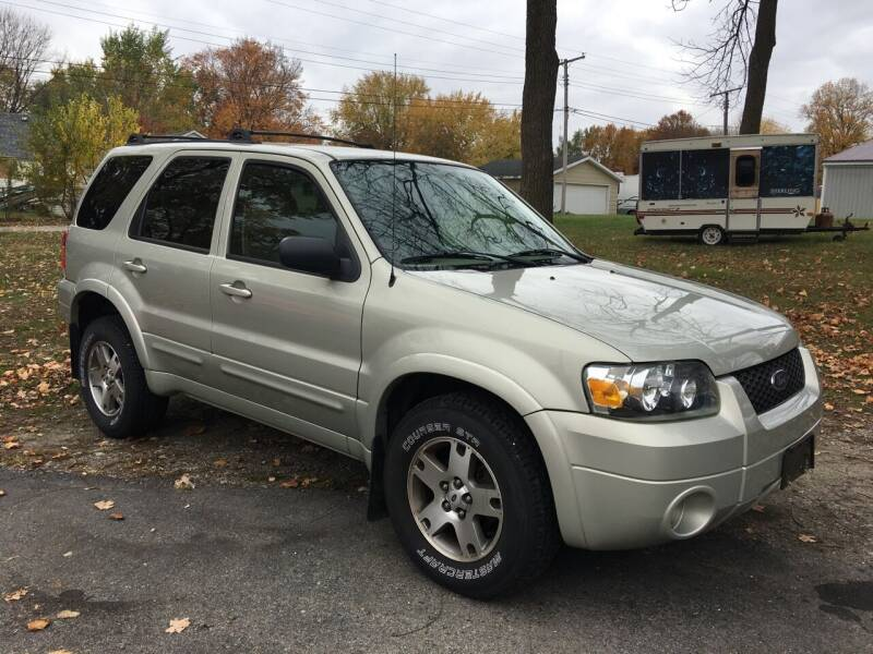 2005 Ford Escape for sale at Antique Motors in Plymouth IN