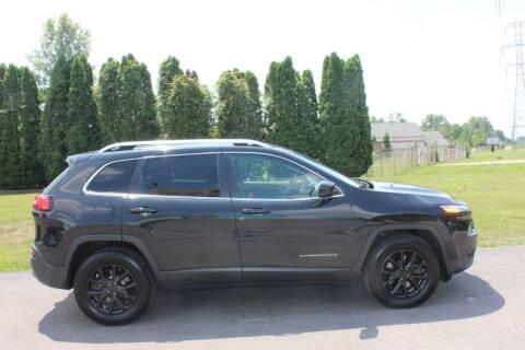 2015 Jeep Cherokee for sale at D & B Auto Sales LLC in Washington Township MI