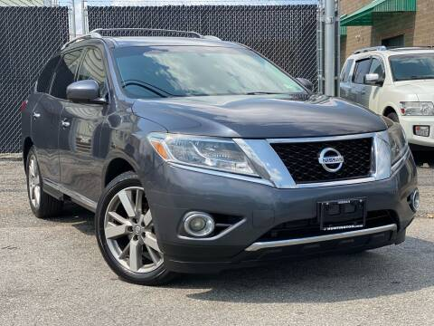 2013 Nissan Pathfinder for sale at Illinois Auto Sales in Paterson NJ
