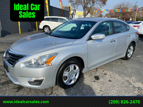 2015 Nissan Altima for sale at Ideal Car Sales in Los Banos CA
