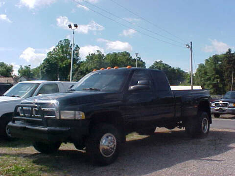 2002 Dodge Ram Pickup 3500 for sale at Bates Auto & Truck Center in Zanesville OH