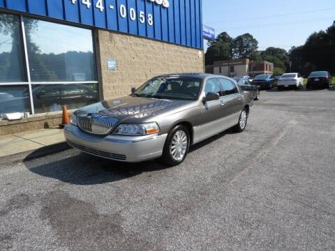 2004 Lincoln Town Car for sale at Southern Auto Solutions - 1st Choice Autos in Marietta GA