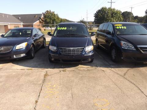 2005 Chrysler Town and Country for sale at Mc Grady Motor Co in Fayetteville NC