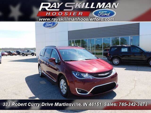 2017 Chrysler Pacifica for sale at Ray Skillman Hoosier Ford in Martinsville IN