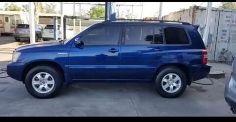2001 Toyota Highlander for sale at E and M Auto Sales in Bloomington CA