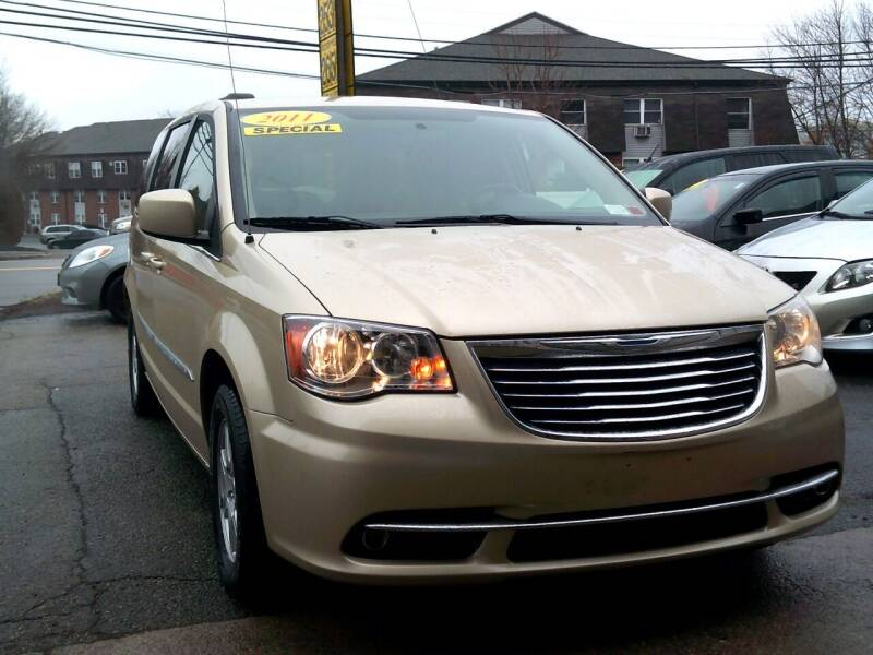 2011 Chrysler Town and Country for sale at Trust Petroleum in Rockland MA
