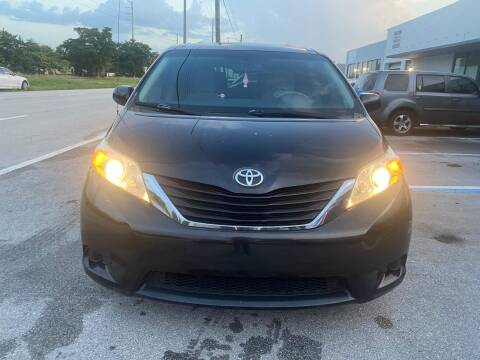 2011 Toyota Sienna for sale at UNITED AUTO BROKERS in Hollywood FL