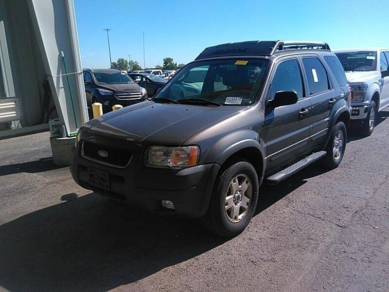 2004 Ford Escape for sale at Cars Now KC in Kansas City MO