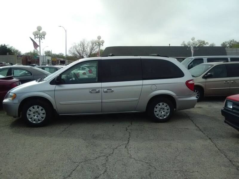 2006 Chrysler Town and Country for sale at Autos Inc in Topeka KS