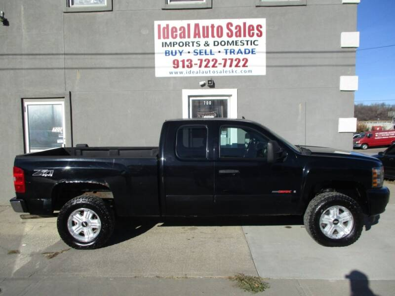 2007 Chevrolet Silverado 1500 for sale at Ideal Auto in Kansas City KS