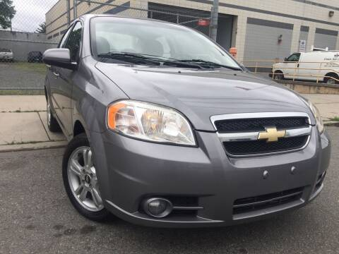 2011 Chevrolet Aveo for sale at Illinois Auto Sales in Paterson NJ