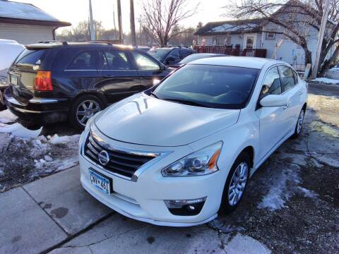 2013 Nissan Altima for sale at Rochester Auto Mall in Rochester MN
