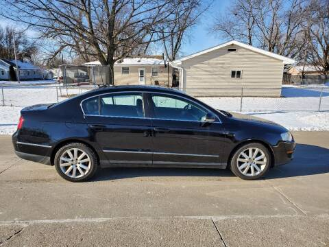 2006 Volkswagen Passat for sale at RIVERSIDE AUTO SALES in Sioux City IA