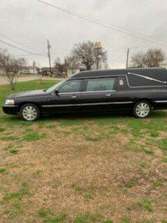 2004 Lincoln Town Car for sale at Classic Car Deals in Cadillac MI