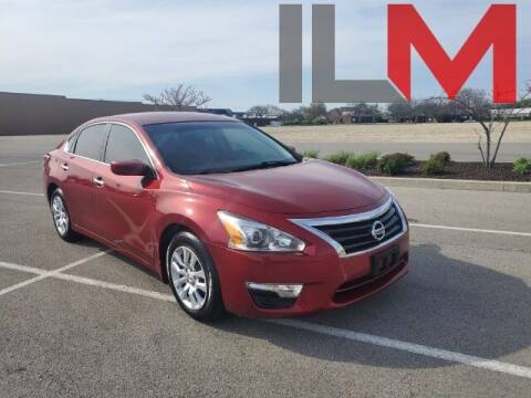 2015 Nissan Altima for sale at INDY LUXURY MOTORSPORTS in Fishers IN