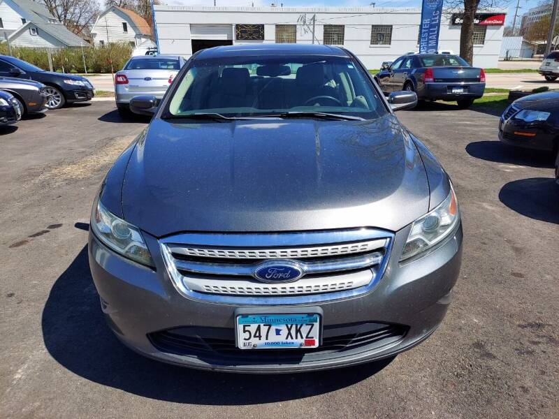 2011 Ford Taurus for sale at Rochester Auto Mall in Rochester MN