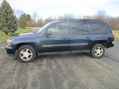 2004 Chevrolet TrailBlazer EXT for sale at Crossroads Used Cars Inc. in Tremont IL