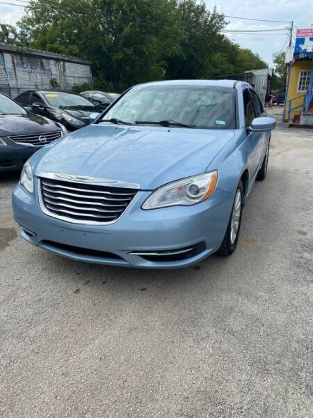 2013 Chrysler 200 for sale at Centerpoint Motor Cars in San Antonio TX