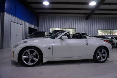 2008 Nissan 350Z for sale at SOUTHWEST AUTO CENTER INC in Houston TX