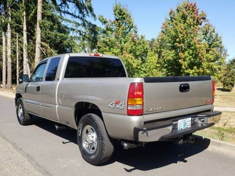 2003 GMC Sierra 1500 for sale at CLEAR CHOICE AUTOMOTIVE in Milwaukie OR
