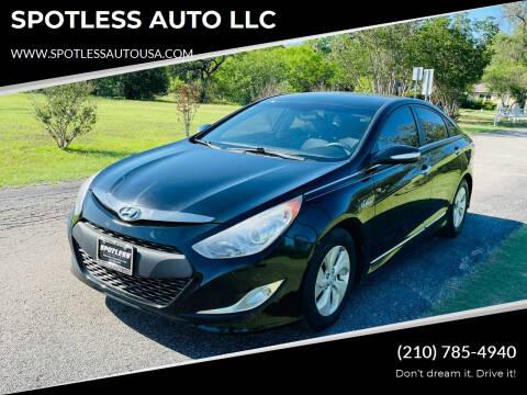 2015 Hyundai Sonata Hybrid for sale at SPOTLESS AUTO LLC in San Antonio TX