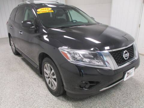 2016 Nissan Pathfinder for sale at LaFleur Auto Sales in North Sioux City SD