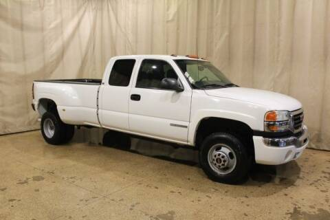 2004 GMC Sierra 3500 for sale at Autoland Outlets Of Byron in Byron IL