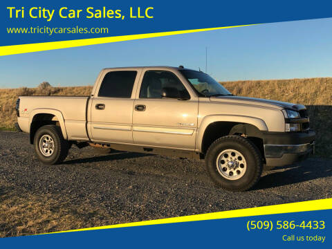 2004 Chevrolet Silverado 2500HD for sale at Tri City Car Sales, LLC in Kennewick WA